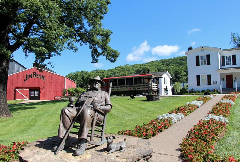 Statue in front of the Jim Beam distillery on the Bourbon Trail