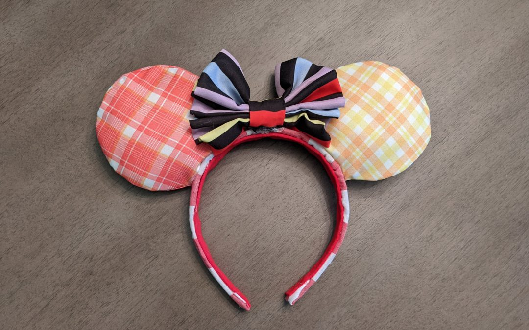 DIY Minnie Mouse ears for Disney with instructions and tutorial