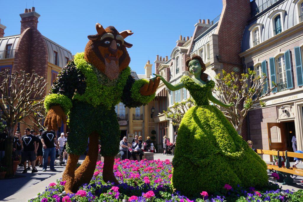 Beauty and the Beast topiaries - Disney topiaries