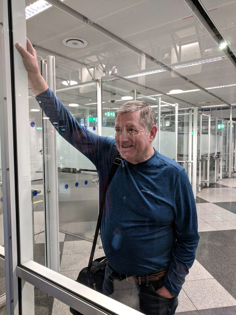 Munich airport lost luggage with Air France - Biggest travel mistakes and travel disasters