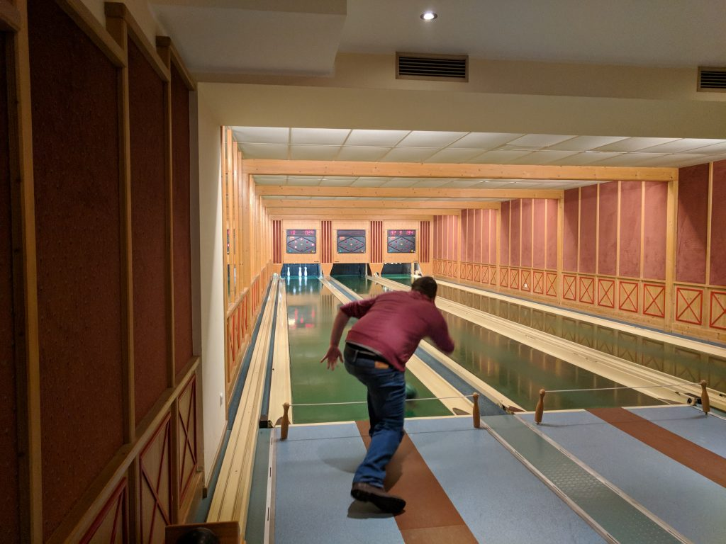 Austrian bowling in Kremsmunster - lost luggage with Air France and Luftansa