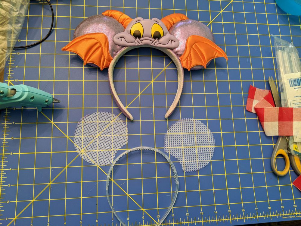 Template to make your own DIY Minnie Mouse Ears
