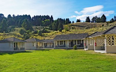 Plan Your Stay at the Mammoth Hot Springs Hotel & Cabins