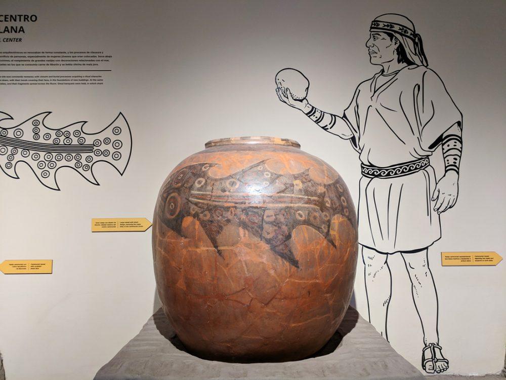 Ceramic pottery at the Museo Huaca Pucllana