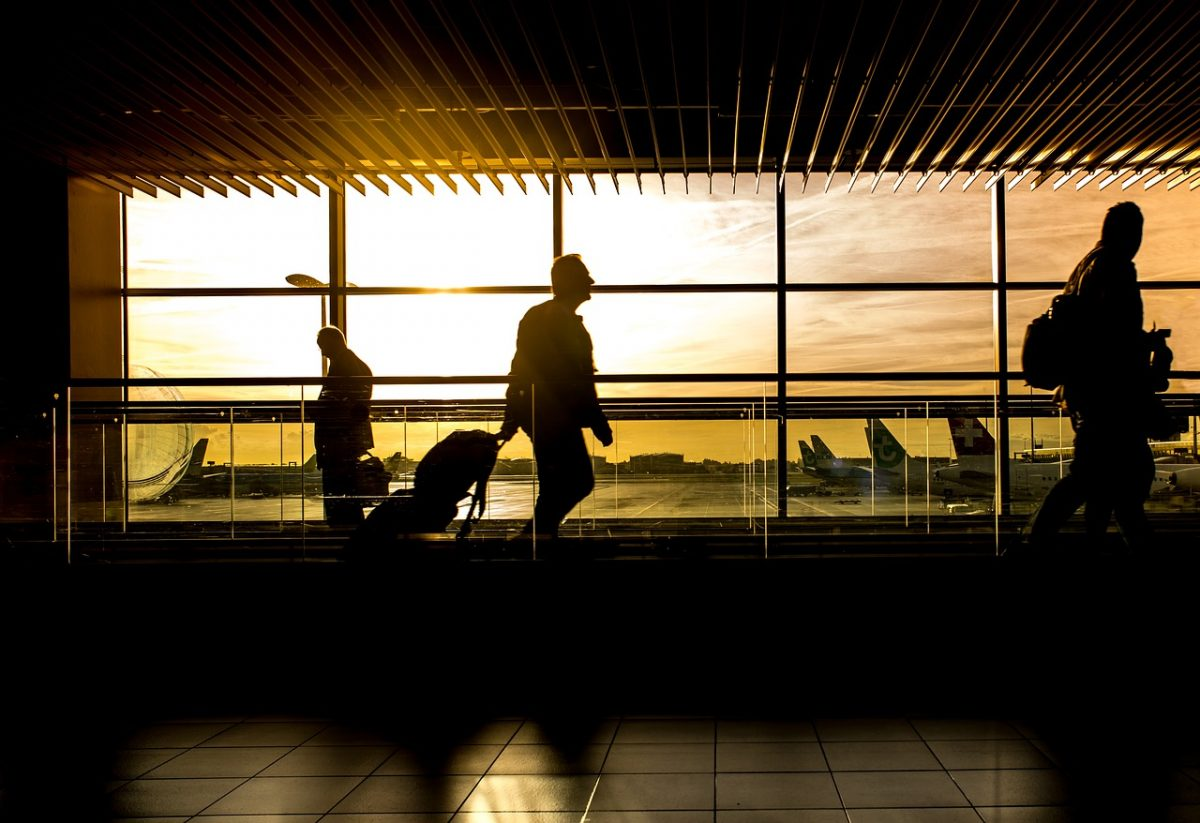 Christmas gifts for business travelers are hard to pick out, but this list from a travel pro will have them outfitted in style.